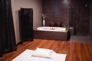 origins thai spa room